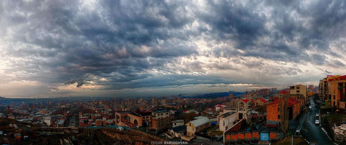 Ереван перед грозой